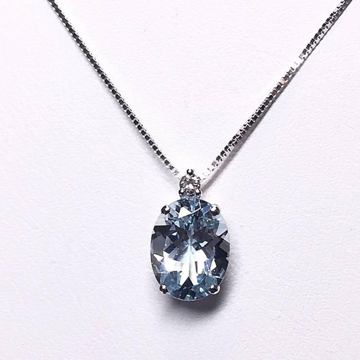Collana in oro bianco 18 kt con acquamarina e diamanti