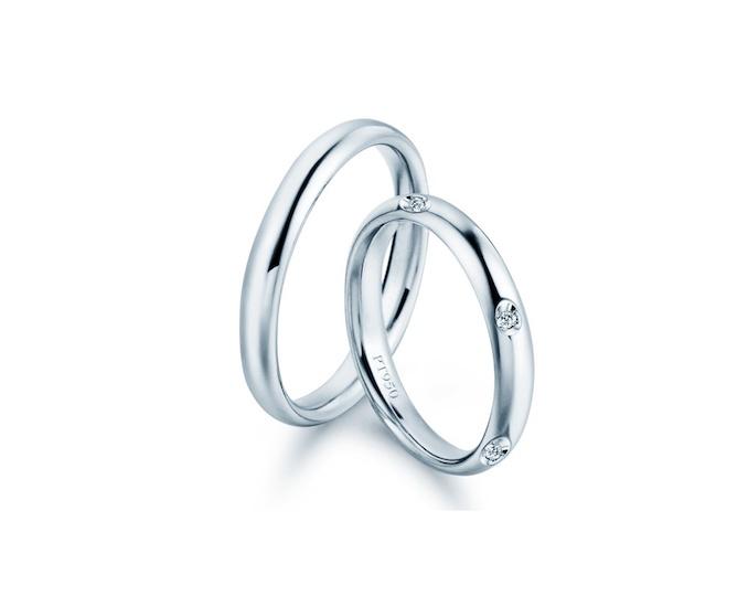 Coppia Fedi in Platino modello Comfort, tutto platino lui e Diamanti lei