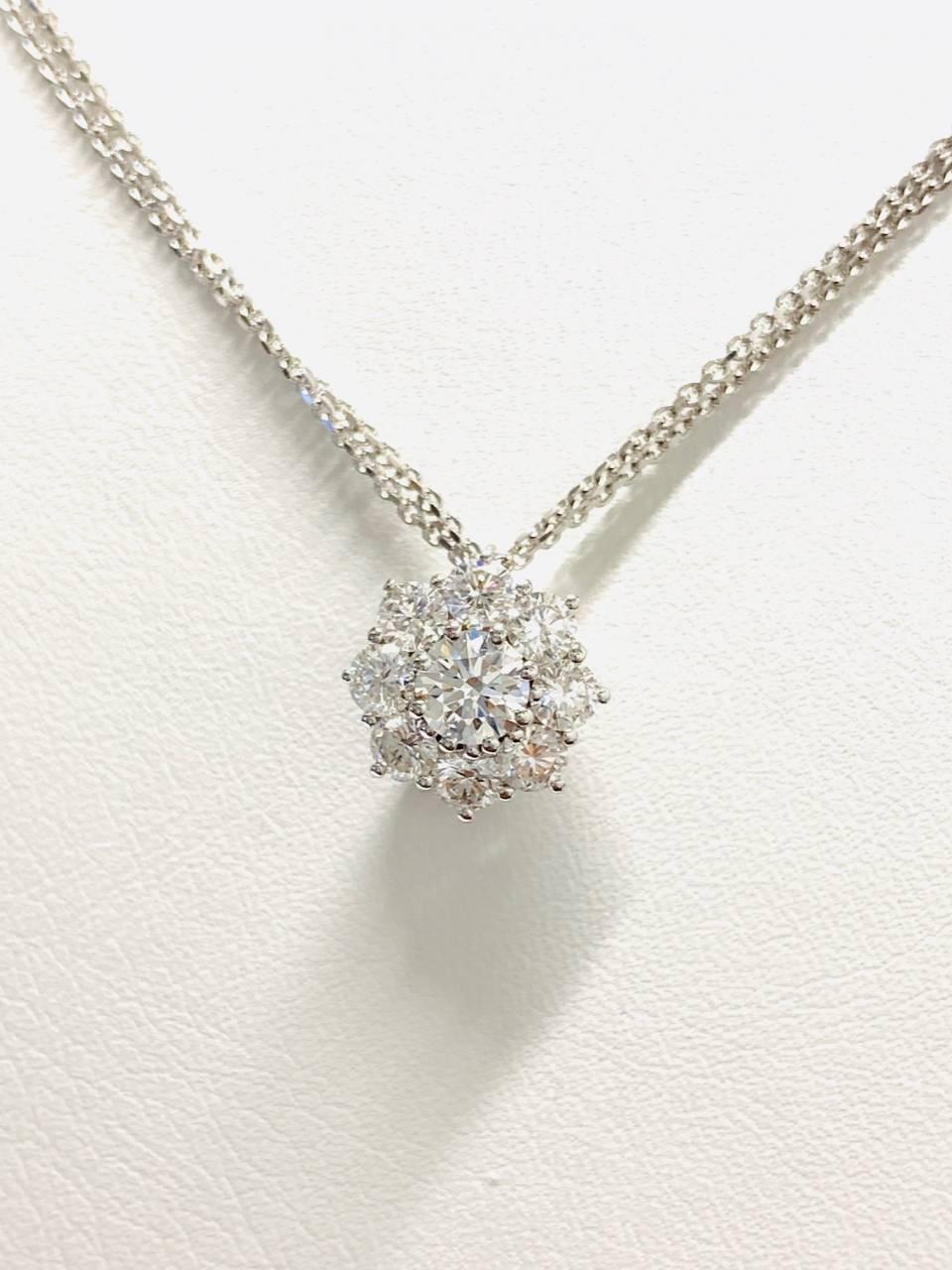 Collana in oro bianco con pendente a rosa 1.06 ct – colore E/F purezza IF
