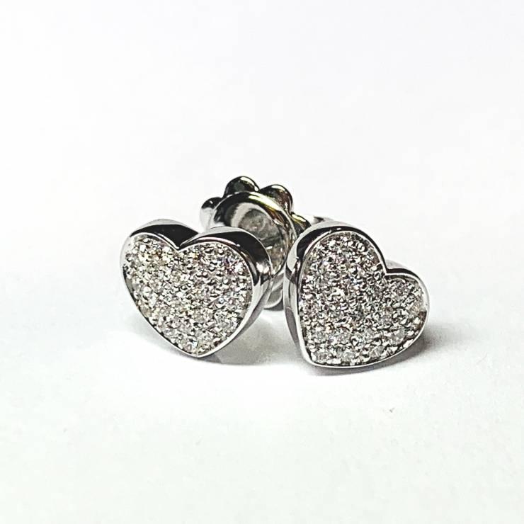 Orecchini pavè a cuore in oro bianco 18 kt e diamanti  0.25 – colore E-purezzaVVS