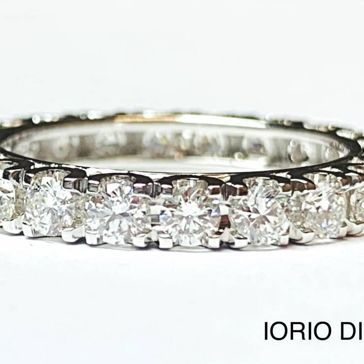 Veretta girodito in oro bianco 18 kt e diamanti 1.63 ct – Colore F (Copia)